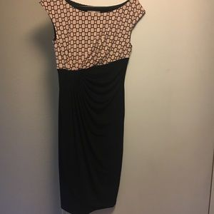 Geometric patterned dress with ruching